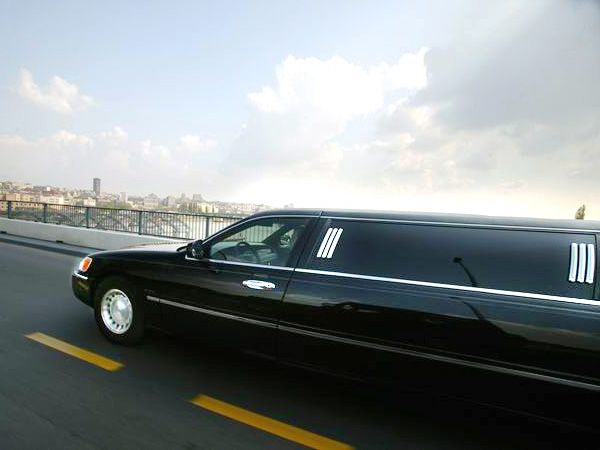 luxury limo rental in Belgrade